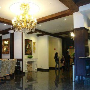 lobby003